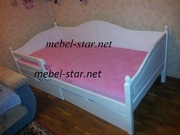 Подростковая кровать из дерева Домиан